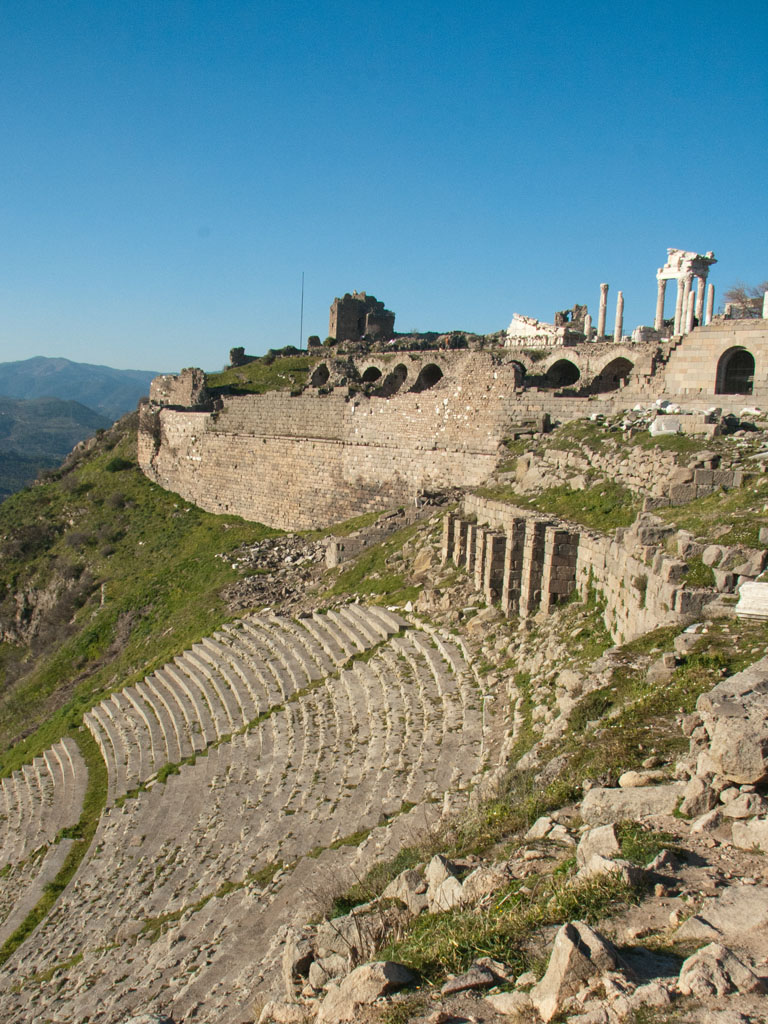 turkey-2011-acropolis-pergamon-h-hellenistic-theatre-with-sanctuary-of-trajan-trajaneum-in-background Top 10 Most Ancient Ruins in Turkey