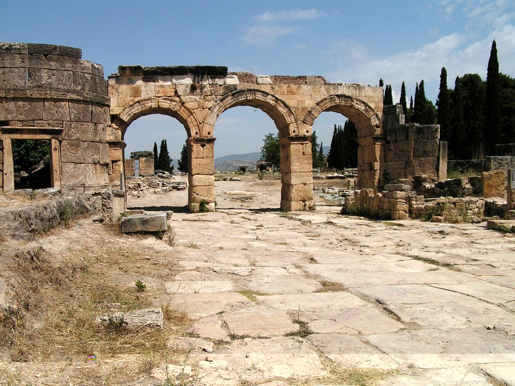 turkey-hierapolis-photo-26 Top 10 Most Ancient Ruins in Turkey