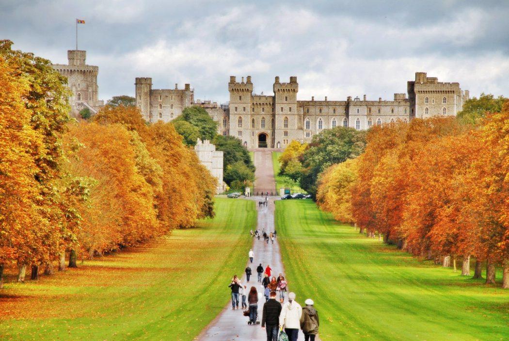 windsor_castle_long_walk7 Top 10 Biggest Castles in History