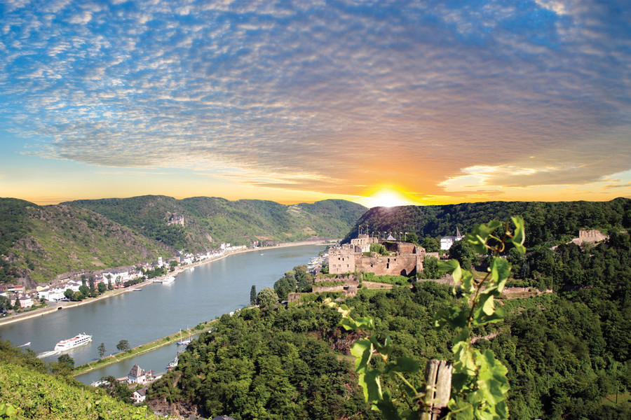 z19rheinfels Top 10 Biggest Castles in History
