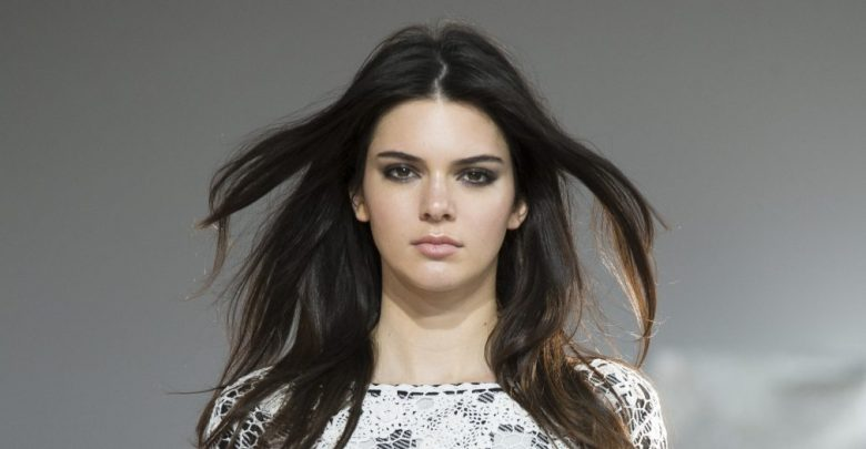 o KENDALL JENNER facebook 780x405 - Top 100 Most Famous Celebrities