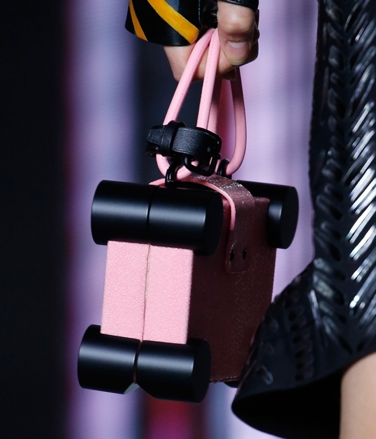 Different-sizes-2 75 Hottest Handbag Trends for Women in 2020