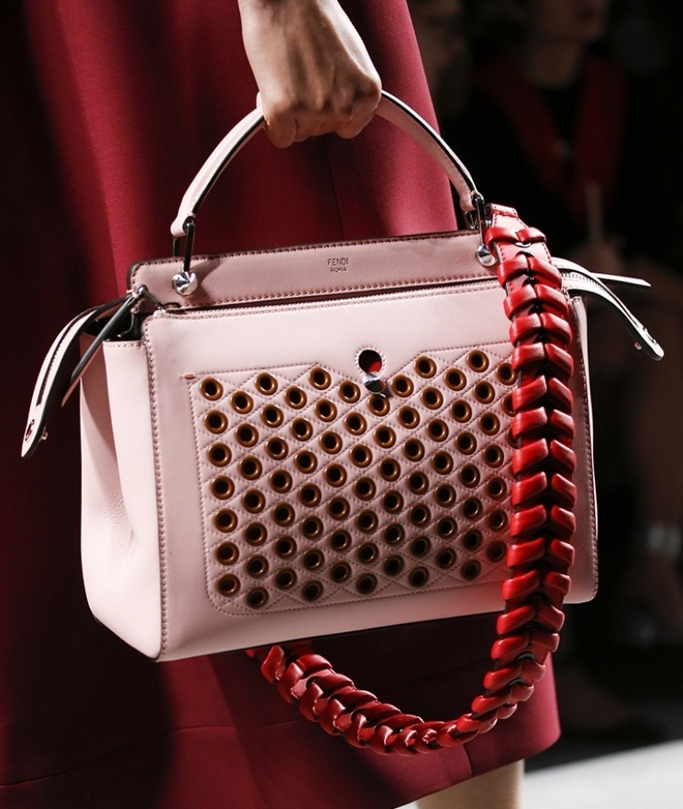 Different-sizes-7 75 Hottest Handbag Trends for Women in 2019