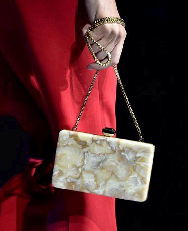 chains-5 75 Hottest Handbag Trends for Women in 2020