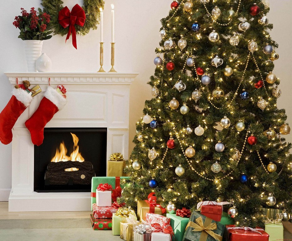 christmas-decoration-2016-15 69 Stunning Christmas Decoration Ideas 2018-2019