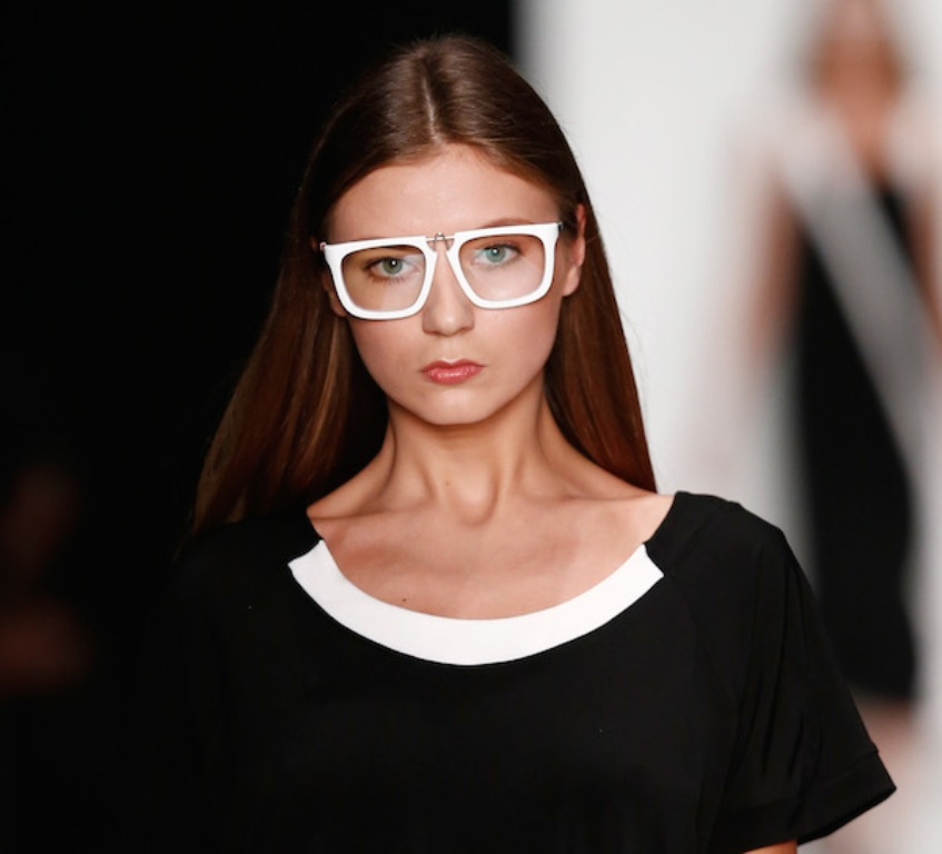 clear-lenses-4 The Newest Eyewear Trends for Men & Women 2017