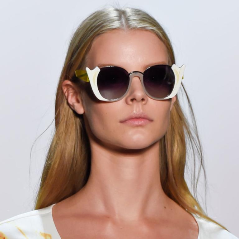 dark-lenses-10 57+ Newest Eyewear Trends for Men & Women 2020