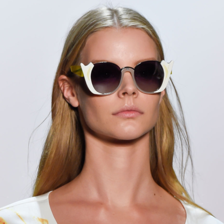 dark-lenses-10 57+ Newest Eyewear Trends for Men & Women 2019