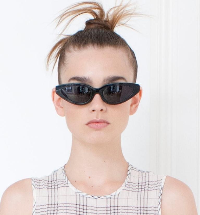 dark-lenses-2 57+ Newest Eyewear Trends for Men & Women 2020