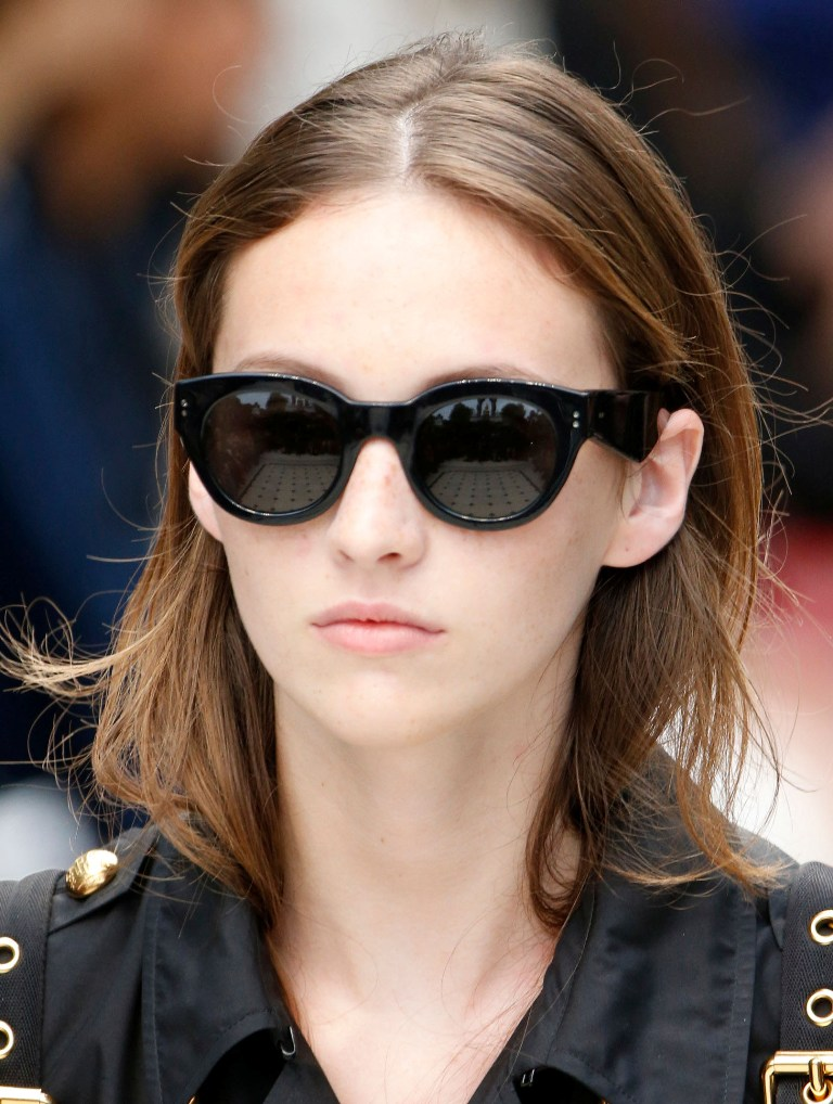 dark-lenses-3 57+ Newest Eyewear Trends for Men & Women 2020