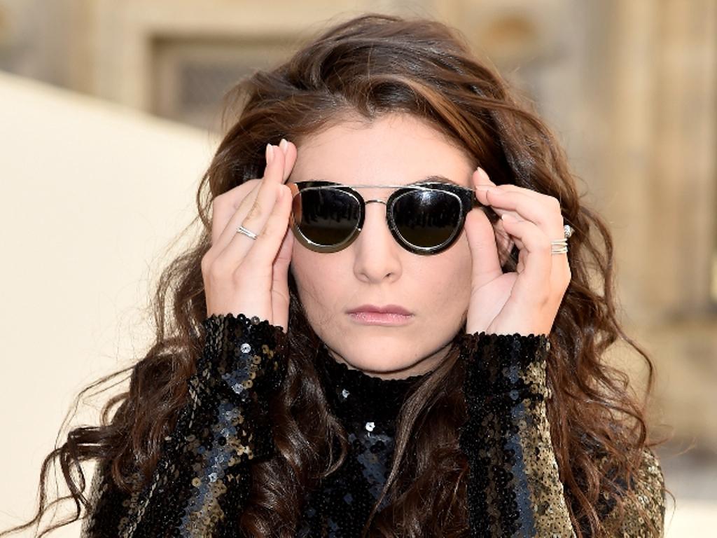 dark-lenses-7 57+ Newest Eyewear Trends for Men & Women 2020