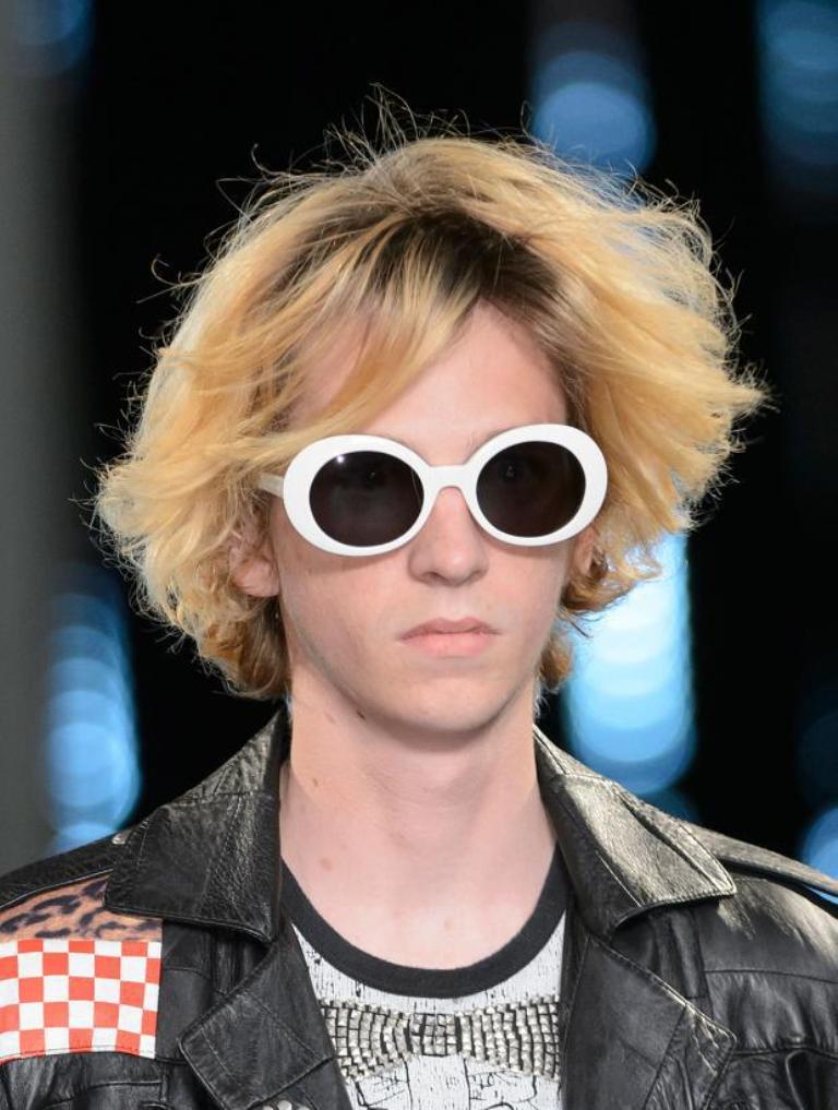dark-lenses 57+ Newest Eyewear Trends for Men & Women 2019