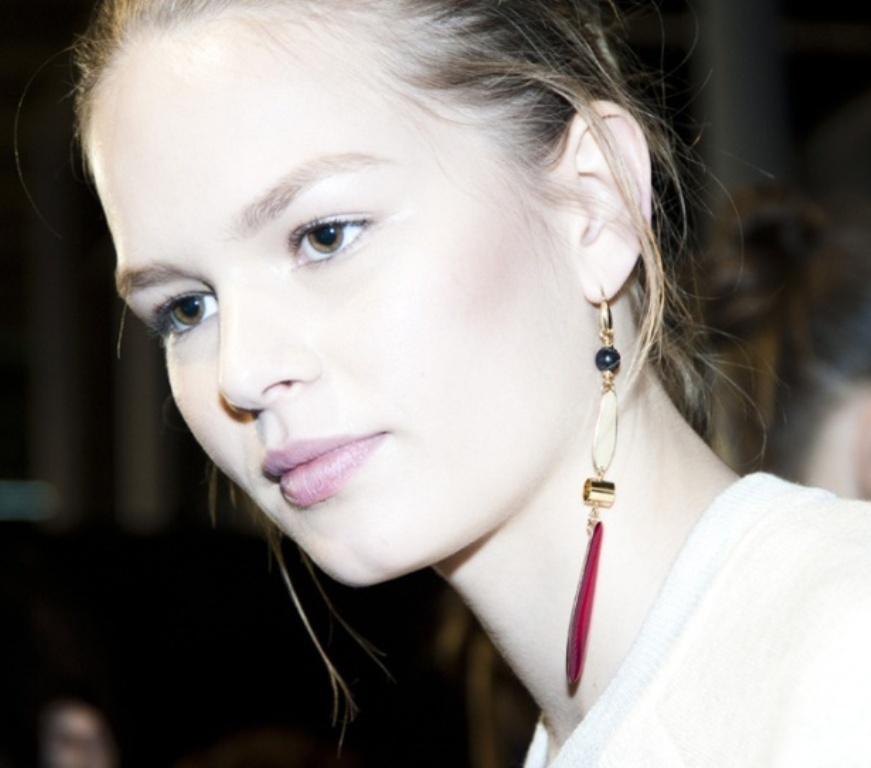 drop-single-hoop-and-statement-earrings-8 65+ Hottest Jewelry Trends for Women in 2020