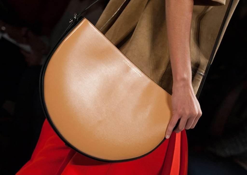 fur-reptile-skin-and-leather-10 75 Hottest Handbag Trends for Women in 2019