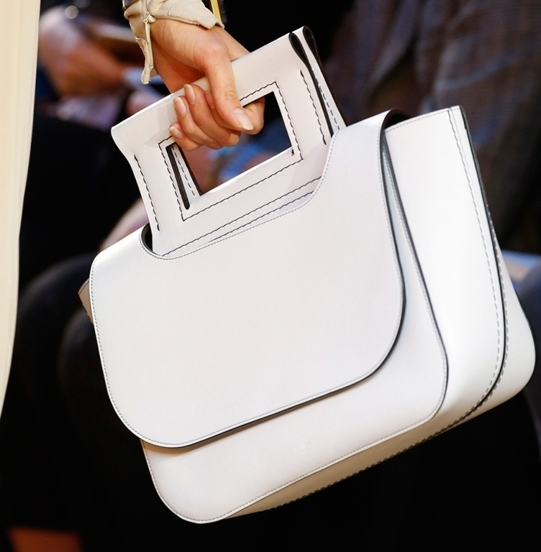 fur-reptile-skin-and-leather-17 75 Hottest Handbag Trends for Women in 2020