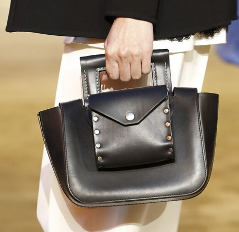 fur-reptile-skin-and-leather-3 75 Hottest Handbag Trends for Women in 2019