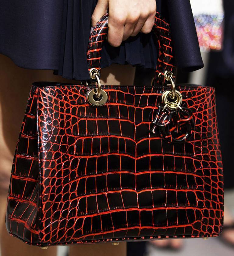 fur-reptile-skin-and-leather-4 75 Hottest Handbag Trends for Women in 2019