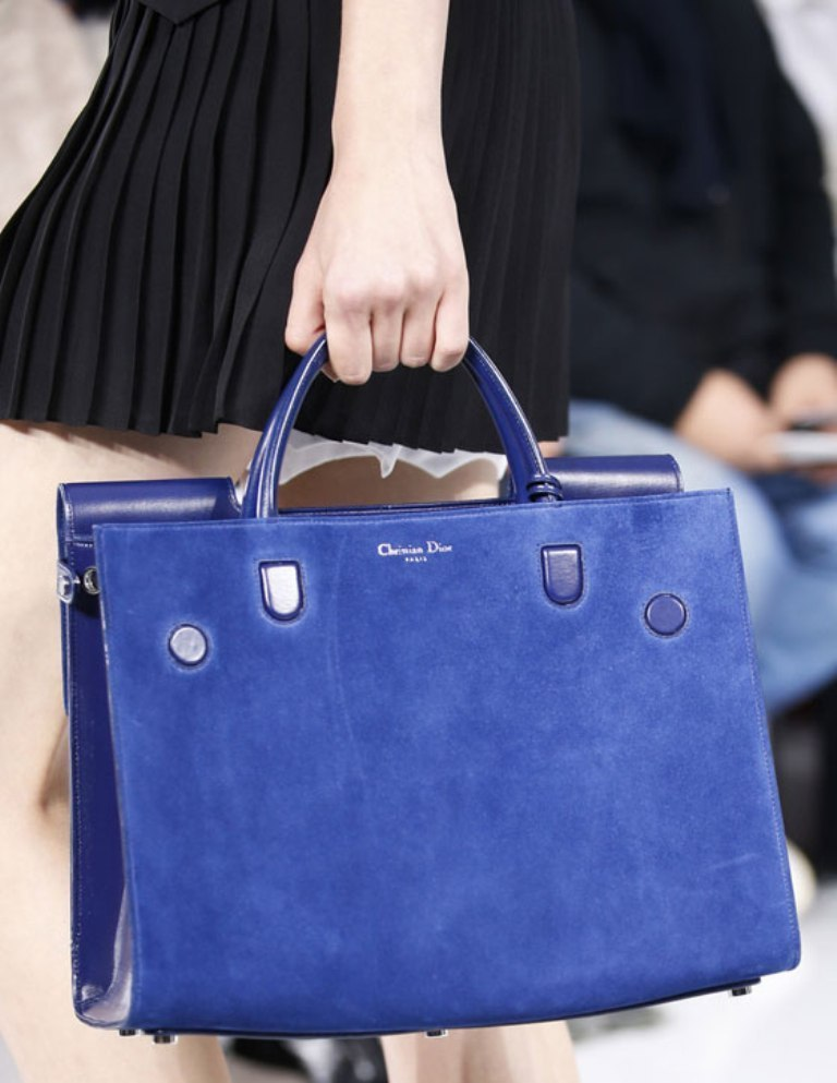 fur-reptile-skin-and-leather-5 75 Hottest Handbag Trends for Women in 2020