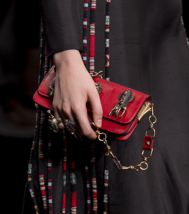 fur-reptile-skin-and-leather-8 75 Hottest Handbag Trends for Women in 2020