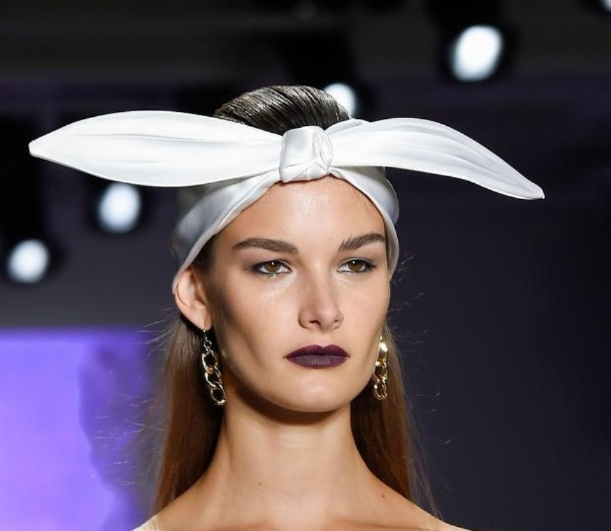 leather-accessories-4 27+ Latest Hairstyle Trends for Women in 2020