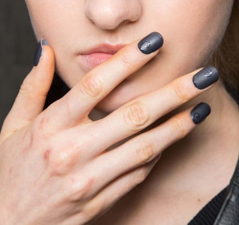 matte-nails-4 45 Hottest & Catchiest Nail Polish Trends in 2017