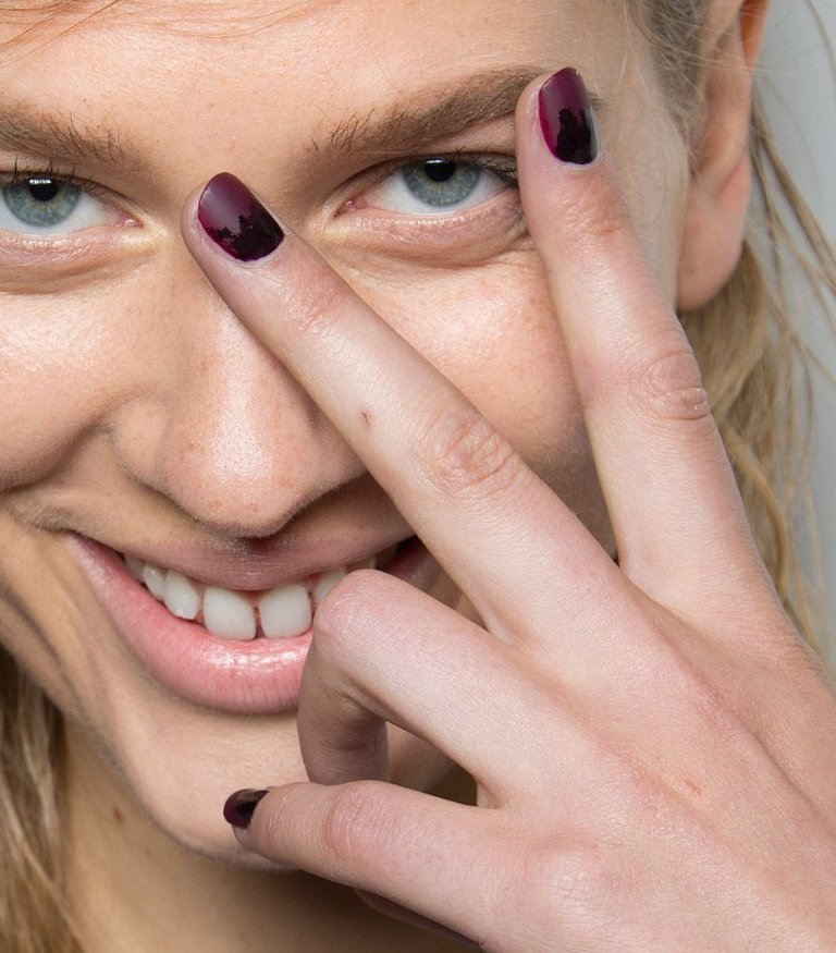 matte-nails 45 Hottest & Catchiest Nail Polish Trends in 2017