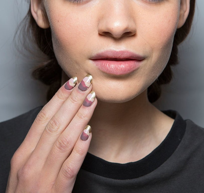 metallic-nails 45 Hottest & Catchiest Nail Polish Trends in 2017