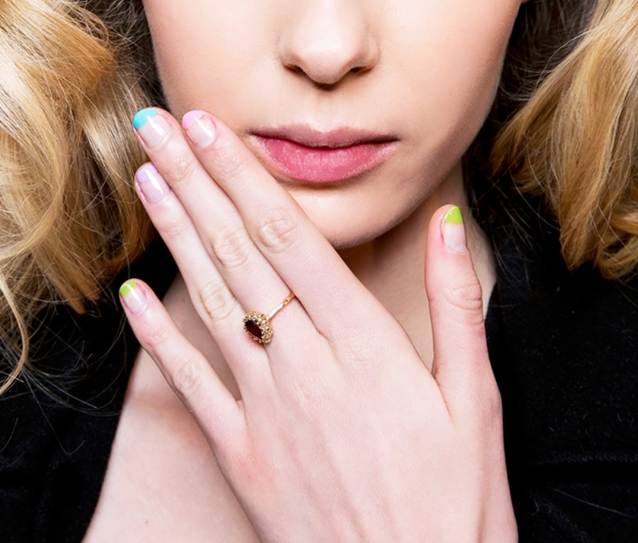 minimal-nails-5 45+ Hottest & Catchiest Nail Polish Trends in 2021