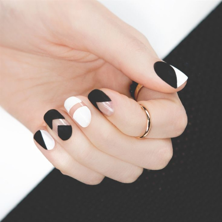 nail-polish-trends-2016-42 45+ Hottest & Catchiest Nail Polish Trends in 2020