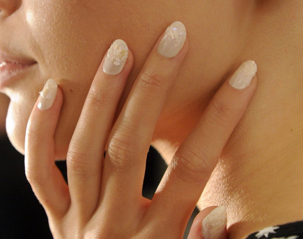 nail-polish-trends-2016-46 45+ Hottest & Catchiest Nail Polish Trends in 2021