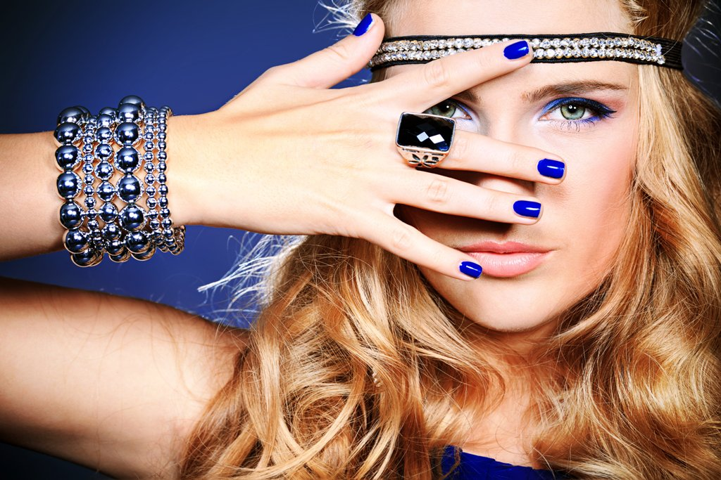 nail-polish-trends-2016-52 45+ Hottest & Catchiest Nail Polish Trends in 2020