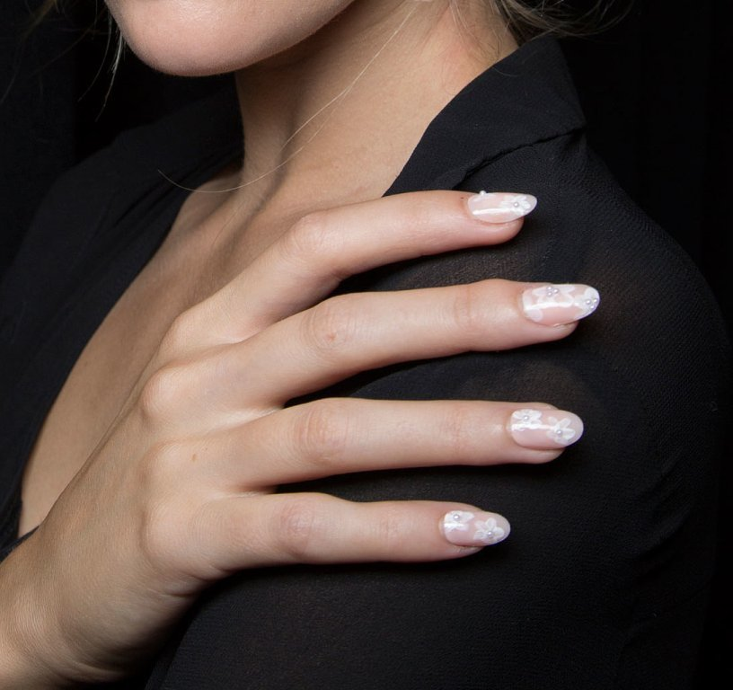 nail-polish-trends-2016-60 45+ Hottest & Catchiest Nail Polish Trends in 2020