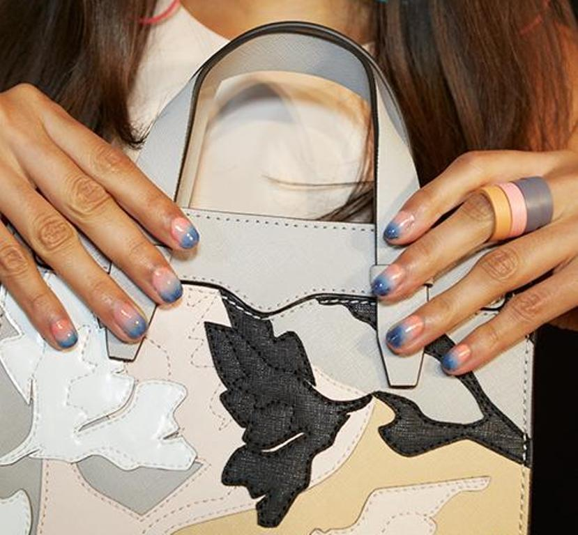 nail-polish-trends-2016-61 45+ Hottest & Catchiest Nail Polish Trends in 2020
