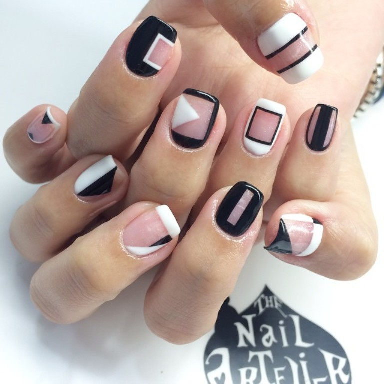 negative-spacce-nails-5 45+ Hottest & Catchiest Nail Polish Trends in 2020