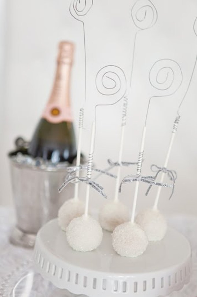 new-year-2016-decoration-15 53 Awesome New Year's Eve 2017 Decorating Ideas