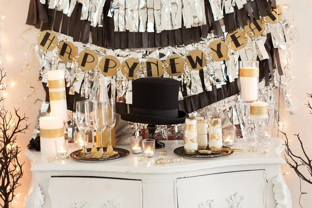 new-year-2016-decoration-27 53 Awesome New Year's Eve 2017 Decorating Ideas