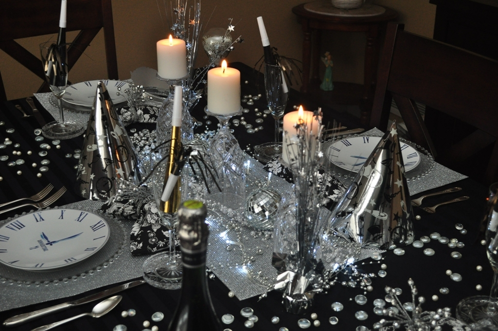 new-year-2016-decoration-36 53 Awesome New Year's Eve 2017 Decorating Ideas