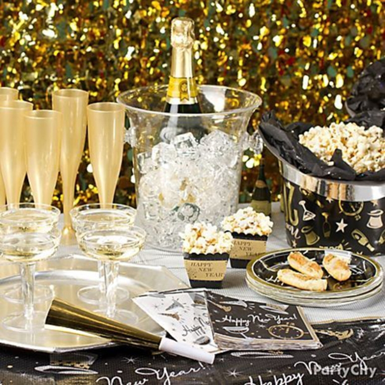 new-year-2016-decoration-47 53+ Awesome New Year's Eve Decorating Ideas 2019