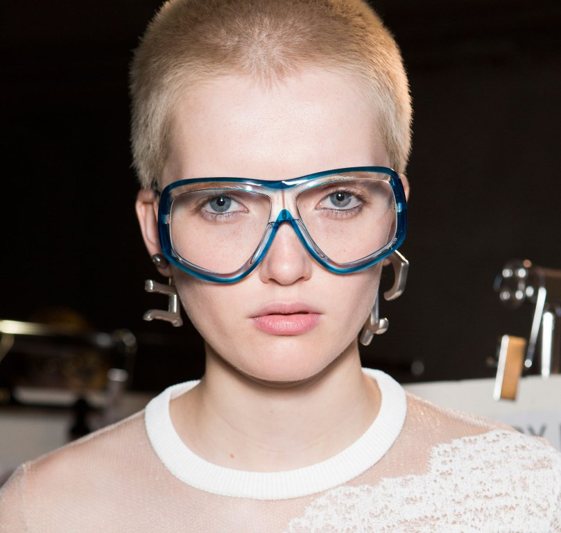 oversized-glasses-1 57+ Newest Eyewear Trends for Men & Women 2020