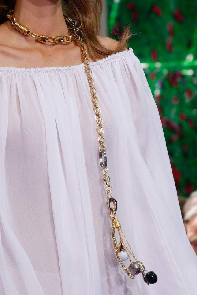 pearls-and-chains-6 65+ Hottest Jewelry Trends for Women in 2020