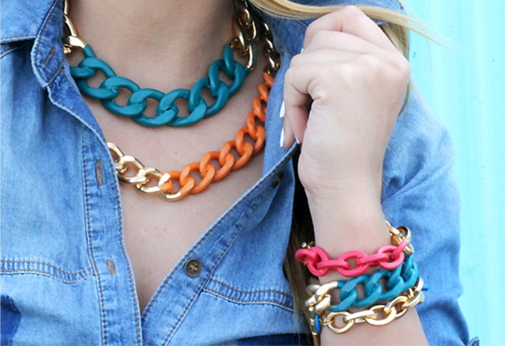 pearls-and-chains-7 65+ Hottest Jewelry Trends for Women in 2020