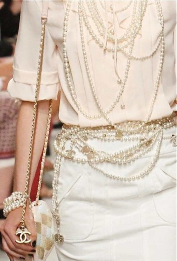 pearls-and-chains 65+ Hottest Jewelry Trends for Women in 2020