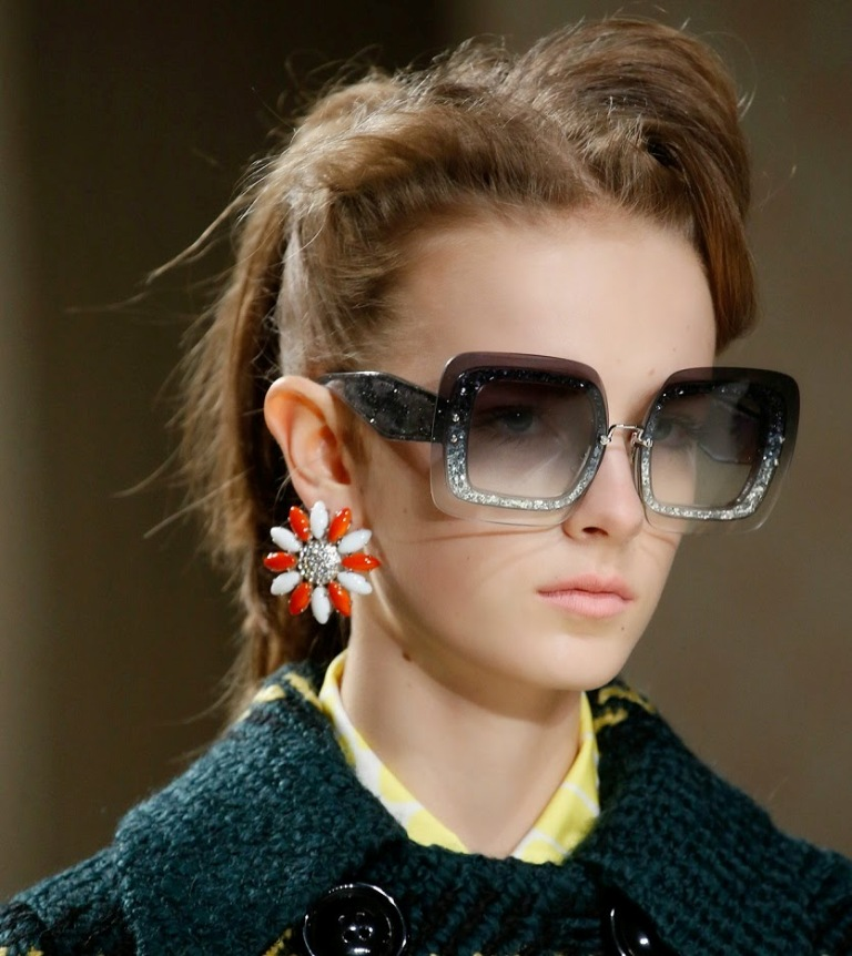round-and-square-glasses-10 57+ Newest Eyewear Trends for Men & Women 2020