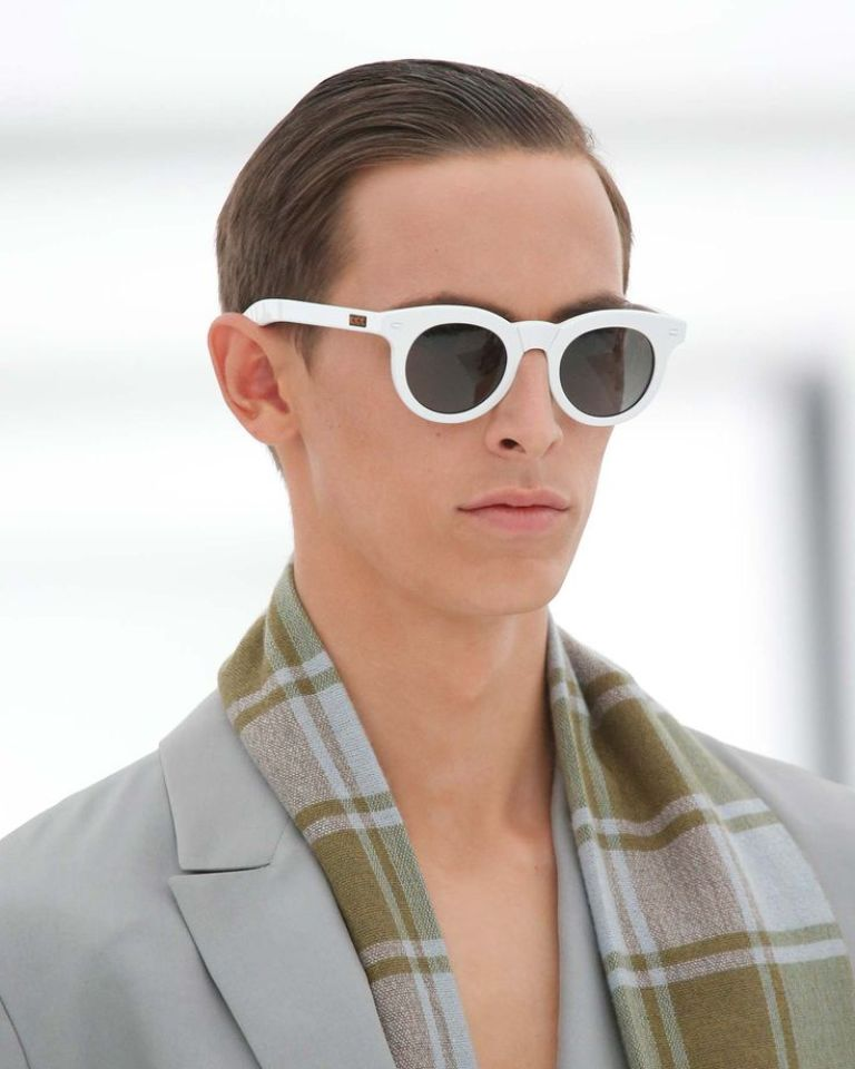 round-and-square-glasses-4 57+ Newest Eyewear Trends for Men & Women 2020