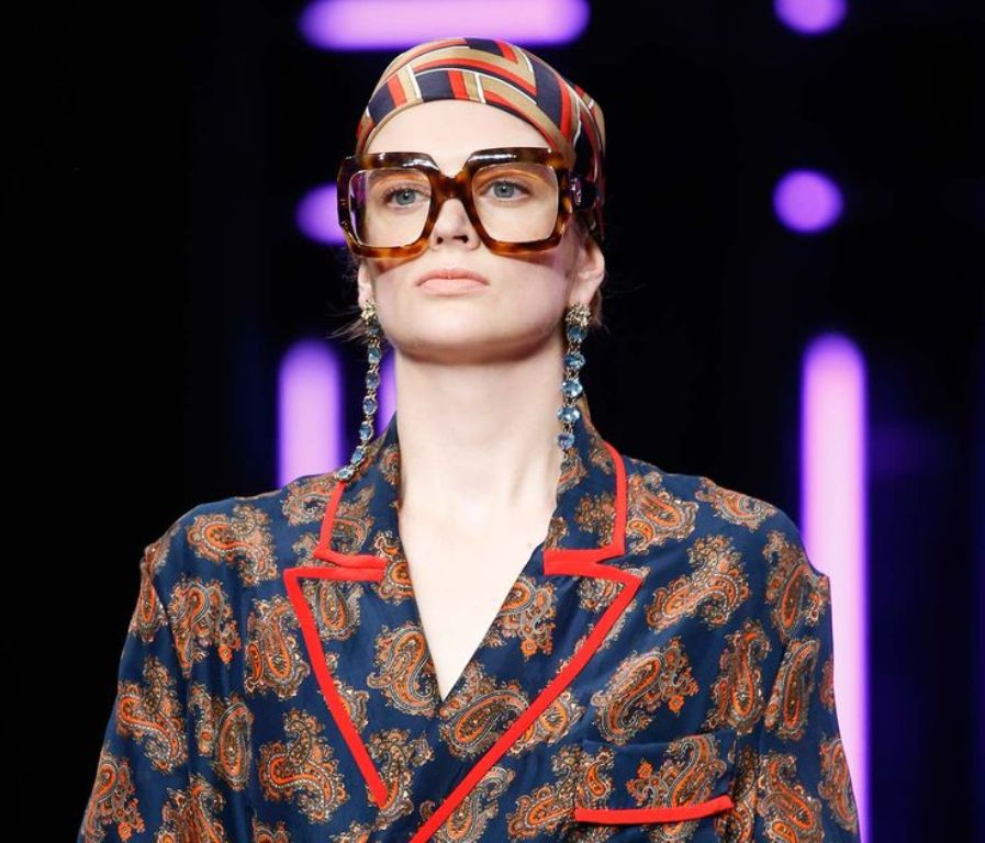 round-and-square-glasses-9 57+ Newest Eyewear Trends for Men & Women 2020