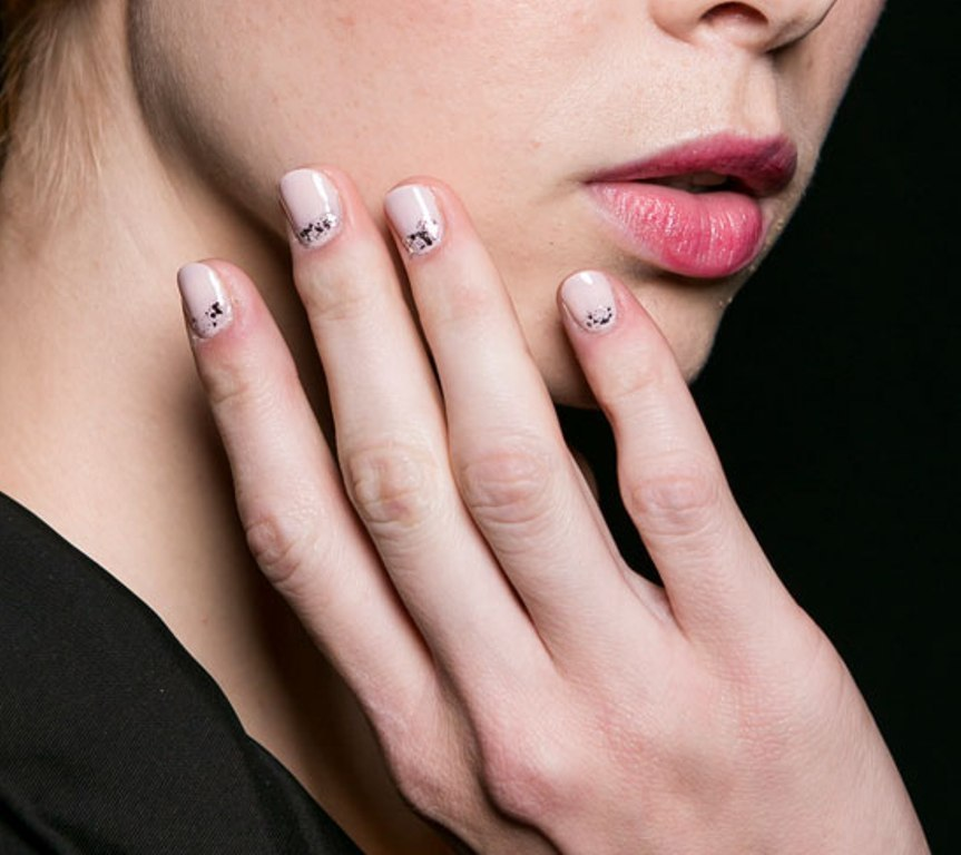 rounded-and-short-nails-1 45+ Hottest & Catchiest Nail Polish Trends in 2020