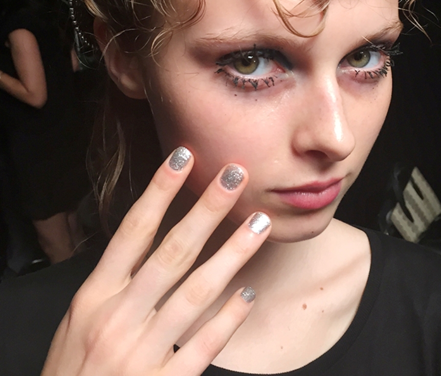 rounded-and-short-nails-4 45+ Hottest & Catchiest Nail Polish Trends in 2021