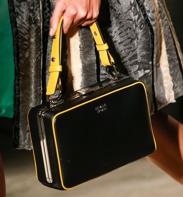 several-ways-for-carrying-bags-18 75 Hottest Handbag Trends for Women in 2019
