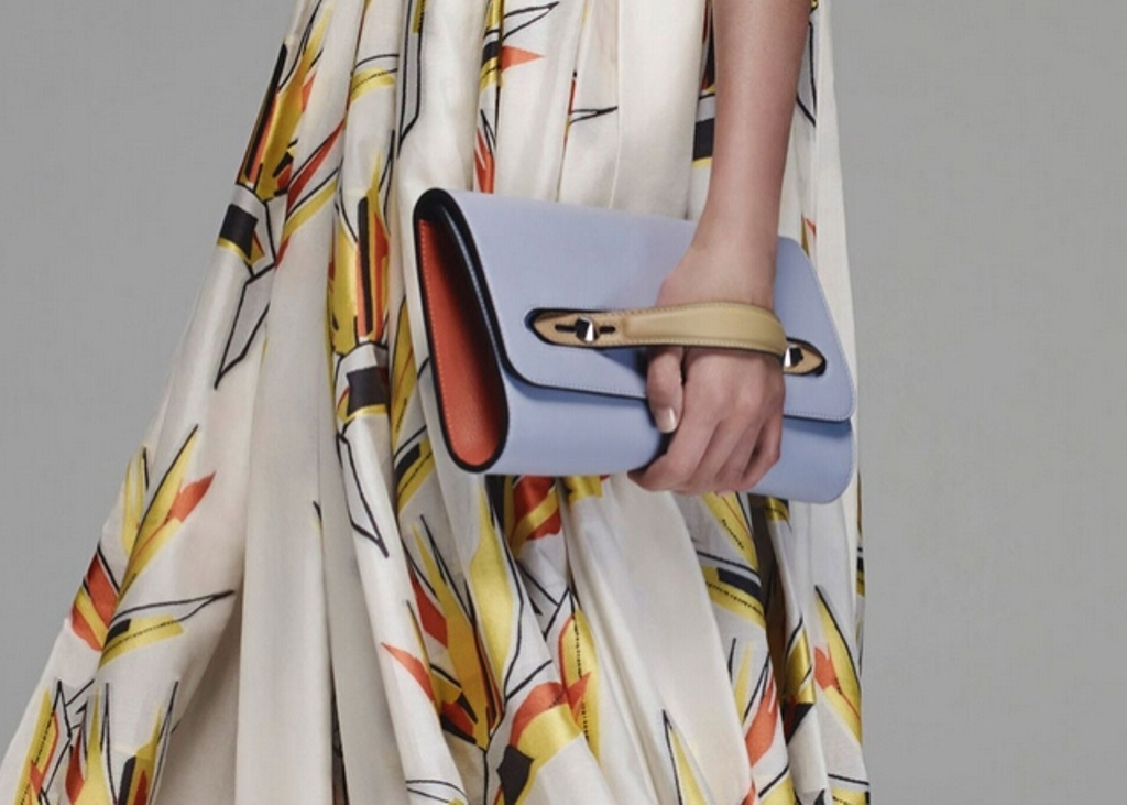 several-ways-for-carrying-bags-9 75 Hottest Handbag Trends for Women in 2019