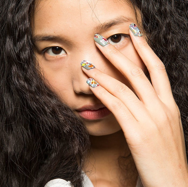 splatter-nails-1 45+ Hottest & Catchiest Nail Polish Trends in 2020